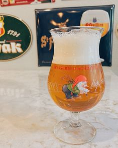 Proper beer glassware is a treasured part of beer culture. The right glass makes all the difference and can be the centerstage for a wonderful beer-drinking experience. Beer Glassware, Gifts For Beer Lovers, Beer Recipes, Best Beer, Girl Gifts, Craft Beer, Brewery, Infographics, Belgium