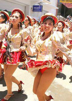 Carnival Dancers, Carnival Girl, Carnival Outfits, Beautiful Latina, Beautiful Little Girls, Venezuelan Women, Pin Up Swimsuit, Culture Clothing, Up Skirt Pics