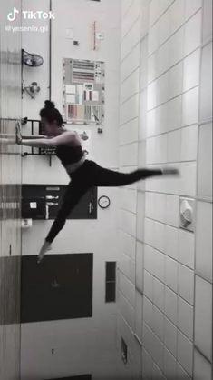 Ballet Dance Videos, Ballet Moves, Dance Tips, Dance Choreography Videos, Contemporary Dance Videos, Modern Dance, Dance Photos, Dance Pictures, Dancer Workout