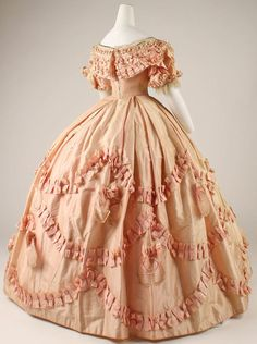 1860-1861 Dress at the Metropolitan Museum of Art