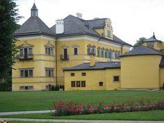 Castelo de Hellbrunn Mansions, House Styles, Home Decor, Castle, World, Salzburg, Walks, Viajes, Pictures