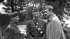 Marshal Carl Gustaf Mannerheim of Finland speaks with Major General Erkki Raapana (far left) and Lt. The Finns fought on the side of Nazi Germany until History Of Finland, Major General, Military Pictures, Soviet Union, The Republic, Military History, World War Ii, Wwii, The Past