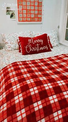 Cosy Christmas, Christmas Feeling, Christmas Bedroom, Merry Little Christmas, Christmas Countdown, Christmas Time, All Holidays, Christmas Aesthetic, Christmas Wallpaper