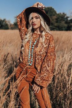 """Visions Of Happiness Snake Print Top You are sure to be a """"vision of happiness"""" when you wear this eye-catching top featuring soft lightweight tight … – Hippie Crop Top Outfits, Casual Fall Outfits, Boho Fashion, Fashion Outfits, Fashion Ideas, Fashion Inspiration, Kids Fashion, Suede Hat, Hippie Outfits"""