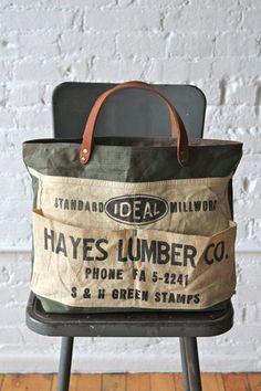 I'd use a coffee bean sack My Bags, Purses And Bags, Jean Purses, Work Aprons, Medium Bags, Shopper, Handmade Bags, Handmade Leather, Beautiful Bags