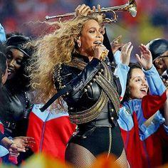 Hot: Beyoncé rocks Super Bowl halftime show with 'Formation'