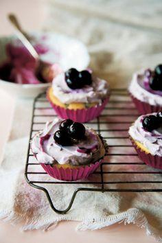 Blueberry yoghurt fairy cakes