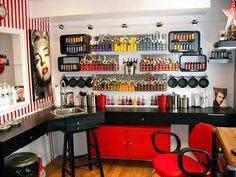 Great use of small space for a Boutique Salon - Decoration For Home Home Hair Salons, Home Salon, Beauty Bar, Beauty Shop, Salon Stations, Salon Business, Salon Equipment, Salon Design, Studio Design