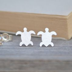 These minimal studs. | 22 Things Every Turtle Lover Needs In Their Life