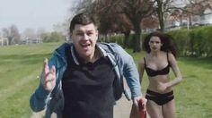Kapkaççı Kovalayan Seksi Kız Reklamı...