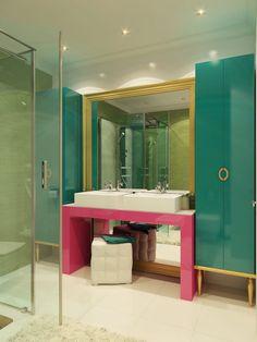 design salle de bain original et déco en turquoise et rose bonbon #bathroom #design