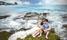 Summer beach pre-wedding session