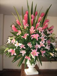 Flowers Bouquet Gift Large 64 New Ideas Easter Flower Arrangements, Tropical Flower Arrangements, Funeral Flower Arrangements, Rose Arrangements, Beautiful Flower Arrangements, Beautiful Flowers, Tropical Flowers, Altar Flowers, Church Flowers