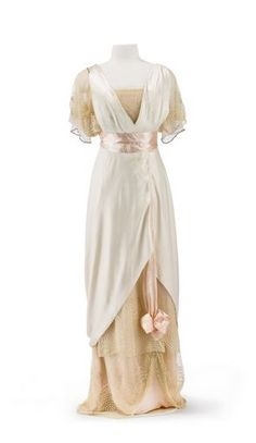 Evening dress, cream and light peach silk satin, Jean-Phillipe Worth, 1912