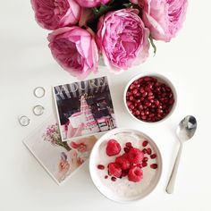 pomegranate + raspberry yogurt bowl (via @thepinkdiary)