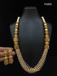 Antique Jewellery Designs, Gold Earrings Designs, Beaded Jewelry Designs, Gold Jewellery Design, Necklace Designs, Indian Jewelry Sets, Gold Jewelry Simple, Bridal Jewelry, Gold Necklace