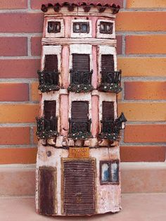 De Trapo y Barro: Tejas Decoradas Artesanales. Made with old roof tiles