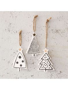 DIY star pendant with gold - tinker Christmas tree charm - . - DIY star pendant with gold – tinker Christmas tree charm – - Gold Christmas Tree, Christmas Holidays, Clay Christmas Decorations, Christmas Clay, Christmas Bathroom, Xmas Tree, Diy Christmas Tree Decorations, Modern Christmas Ornaments, Scandinavian Christmas Decorations