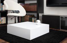 Mesa de centro Atenas. La presencia del Olimpo griego plasmado en esta pieza de madera lacada en blanco de líneas puras y diseño minimalista. www.woodsson.com