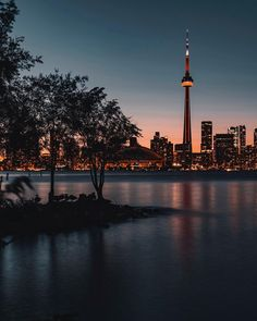 Stunning Cityscape and Urban Photography by Tudor Stanescu - Canada Travel Toronto Photography, Mixed Media Photography, Scenic Photography, Urban Photography, Night Photography, Landscape Photography, Window Photography, Cityscape Photography, Canon Sx530