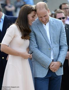 hrhduchesskate:  Visit to Cornwall, September 1, 2016-Catherine and William
