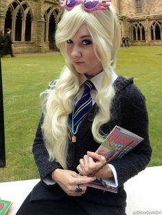 Cosplay Harry Potter Luna Lovegood Cosplay by GlitzyGeekGirl - Harry Potter Kostüm, Fans D'harry Potter, Harry Potter Cosplay, Harry Potter Halloween, Potter Facts, Family Halloween Costumes, Diy Costumes, Halloween 2020, Cosplay Costumes