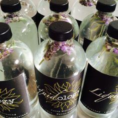 Flower waters by Liquidology Cold Pressed Juice Bar. Healthy Drinks, Healthy Recipes, Juice Recipes, Juice Smoothie, Smoothies, Cold Pressed Juice, Lavender Blue, Water Flowers, Infused Water