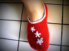 Turkfrun virkar: Sofflor The Effective Pictures We Offer You About knittings yarn illustration A qua Yarn For Sale, Textiles, Yarn Bowl, Slipper Socks, Yarn Projects, Crochet Slippers, Yarn Over, Diy Crochet, Knitting Socks