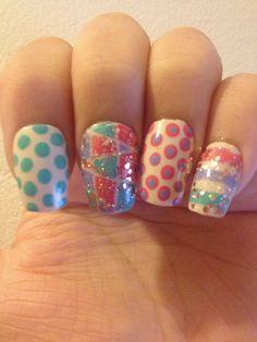 Nail art polka dots & stripes