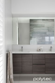 Bathroom vanity in Sepia Oak Ravine. Oak Bathroom Vanity, Bathroom Furniture, Bathroom Interior, Vanity Cabinet, Bathroom Remodeling, Living Room And Kitchen Design, Bathroom Photos, Bathroom Inspo, Bathroom Ideas
