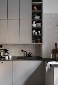 Det stora köksinlägget (An Interior Affair) Kitchen Interior, Interior Design Living Room, Kitchen Design, Minimal Kitchen, Moving Day, Home Kitchens, Home Goods, Affair, Kitchen Cabinets