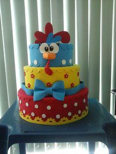 Bolo fake galinha pintadinha em papelão e Eva Bolo Da Peppa Pig, Bolo Fake Eva, Beautiful Cakes, Biscuits, Buffet, Lily, Baby Shower, Birthday, Ideas