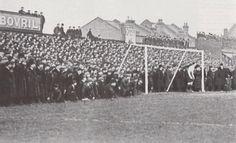 Spurs fans cram in to White Hart Lane in 1904 as Tottenham take on Aston Villa Bramall Lane, Old Firm, International Rugby, Tottenham Hotspur Football, Spurs Fans, Millwall, White Hart Lane, Looking Out The Window, Aston Villa