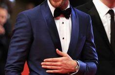 Trajes para el Novio de color Azul Marino. Ha ganado mucha popularidad en trajes para el novio el co...
