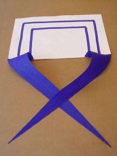 Col marin papier blanc et crépon bleu
