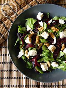 czyli o tym, że zdrowe jedzenie nie musi być nudne :): Sałatka z burakiem i orzechami włoskimi Healthy Snacks, Healthy Recipes, Salad Recipes, Food To Make, Healthy Lifestyle, Food And Drink, Yummy Food, Lunch, Dishes