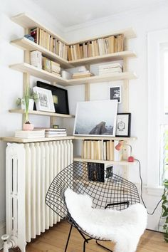 Corner Wall Shelf Ideas To Maximize Your Interiors Furniture Designs Today, many homeowners are getting creative and starting to use corner shelf ideas. This is a great way to spruce up your space or even create the app. Corner Bookshelves, Kitchen Wall Shelves, Corner Wall Shelves, Corner Storage, Diy Storage, Storage Shelves, Furniture Projects, Diy Furniture, Small Living