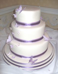 Cake inspiration - sans butterflies, black and lilac ribbons