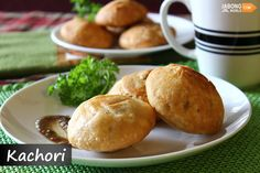 Rajasthan, the royal state of India, is well famous for its delectable street foods and awesome cuisines. Found in almost every street shop or stall, Bikaneri #Kachori is the most favorite amongst the locals.