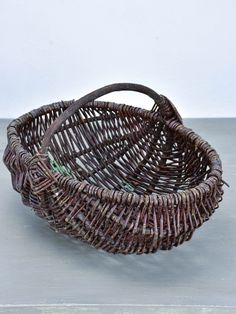 Vintage French basket with handle French Baskets, Market Baskets, Basket Bag, French Vintage, Decorative Bowls, Handle, Farmhouse, Shopping Carts, Cottage