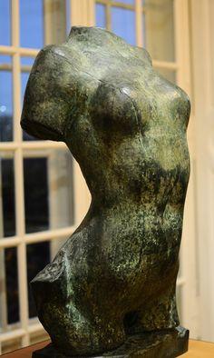 Torse de jeune fille. Auguste Rodin.