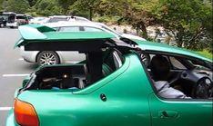 Did Porsche Steal Its 911 Targa Robot From The Honda Del Sol TransTop? This is more then the car. Porsche 911 Targa, New Porsche, Honda Crx, Detroit Auto Show, Sexy Cars, Car Stuff, Vehicles, Cars, Honda Del Sol