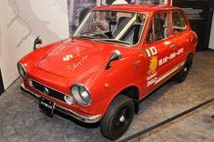 1968年の「フロンテ360SS(LC10)」。アルミシリンダーを採用したスポーツモデルで、展示車はイタリアのミラノ~ナポリ間の約750kmを走破する「太陽の道テスト」の走行車