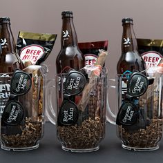 We& gifting the guys some beer, snacks, a cigar and funny sunglasses inside of beer pitchers! Your groomsmen will love this DIY idea! Diy Gifts For Dad, Diy For Men, Gifts For Him, Gift Baskets For Him, Wine Gift Baskets, Basket Gift, Groomsmen Gifts Unique, Groomsman Gifts, Groomsmen Gift Baskets