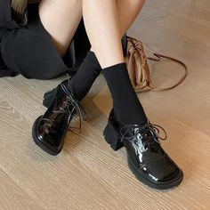 Oxford Shoes Heels, Mid Heel Shoes, Women's Oxfords, Toe Shoes, Pointed Toe Block Heel, Thick Heels, Fashion Shoes, Real Style, Senior Year