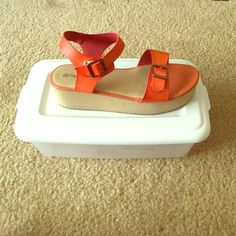 Platform sandal Very trendy platform sandal. Worn a few times Shoes Platforms