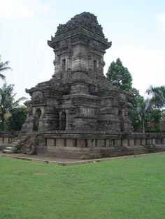 Candi Singosari, een interessante stop tijdens uw rit van Batu naar Malang op Java.