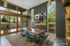 Modern Dining Room in Bend, Oregon