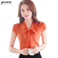 Formal Tops, Formal Shirts, Summer Fashion Outfits, Fashion Dresses, Look Office, Bow Blouse, Professional Attire, Chiffon Shirt, Fashion Books