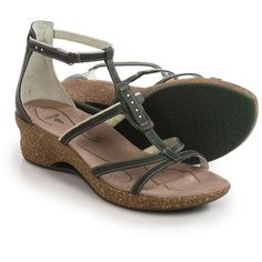 Ahnu Alta Leather Sandals (For Women))